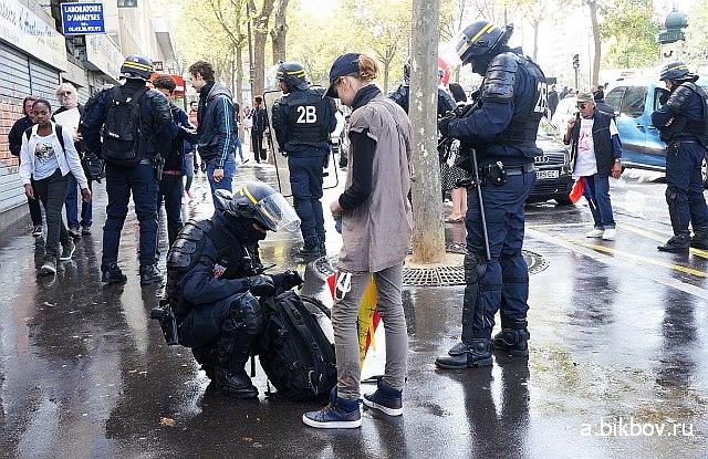 Paris, police a la manifestation contre la reforme Macron du Code du travail